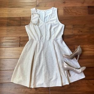 Copper Key Cream & Gold Speckled V-Neck Dress